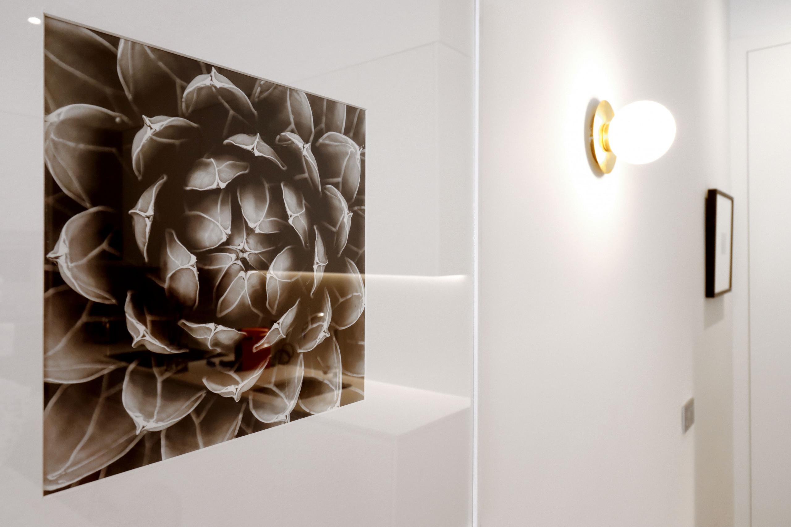 Detalle luz  - Reina Sofía Boutique II by Madflats Collection